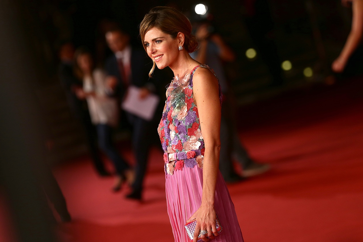 Elisabetta Pellini: chignon con ciuffo