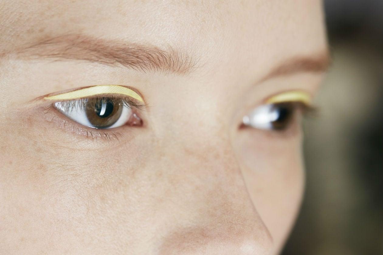 Eyeliner patch nella tonalità pastello per Dior
