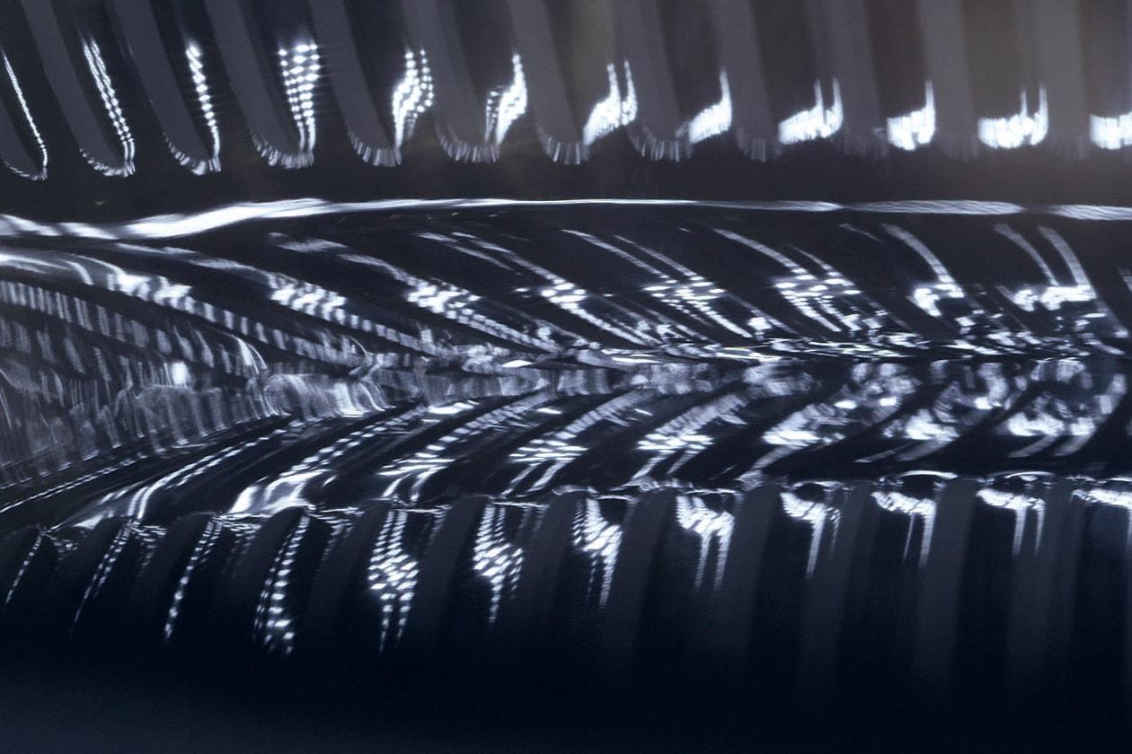 Il prezioso tartufo intero viene finemente macinato, sottoposto a doppia filtrazione e ultra-purificato per preservarne la massima efficacia