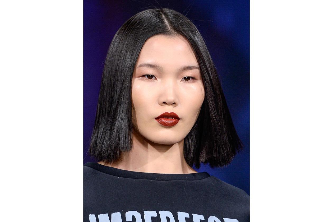 LABBRA IPERDISEGNATE: Imperfect sceglie un lipstick vivo e cremoso applicato con rigore