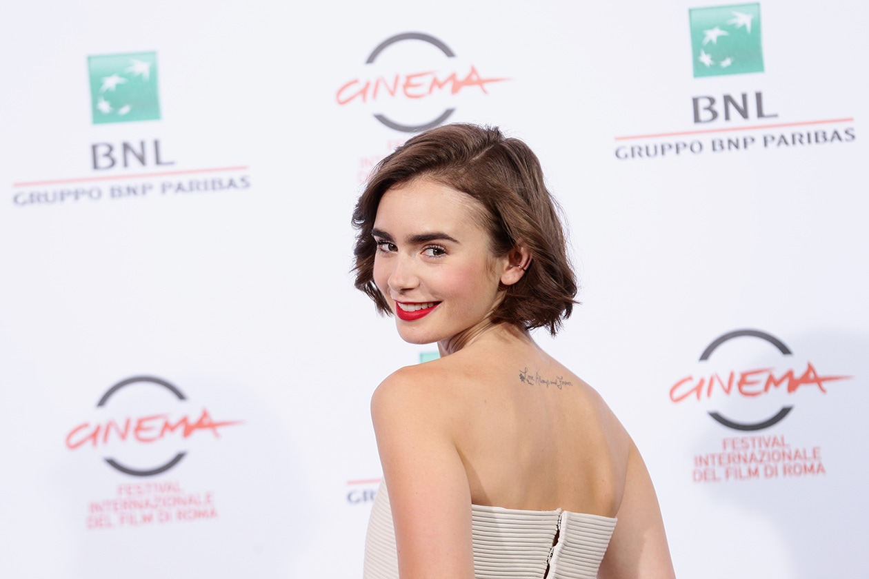 Lily Collins: lips on fire