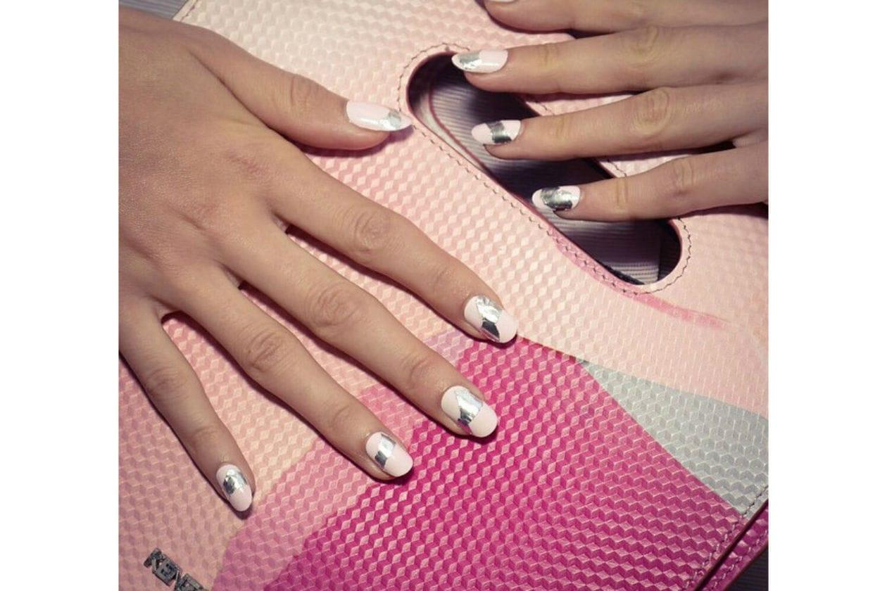 NAIL ART BICOLOR: la nail art più bella? Quella di Kenzo