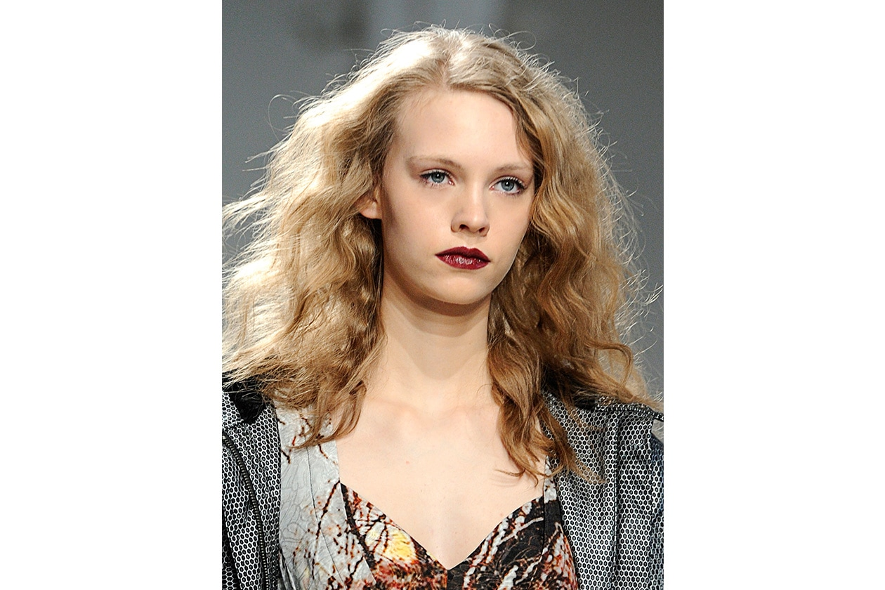 Tracy Reese sceglie un lipstick lucido applicato in modo non omogeneo