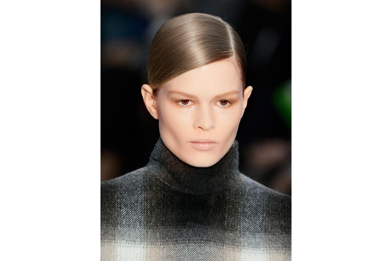 Trucco labbra naturale: pale look