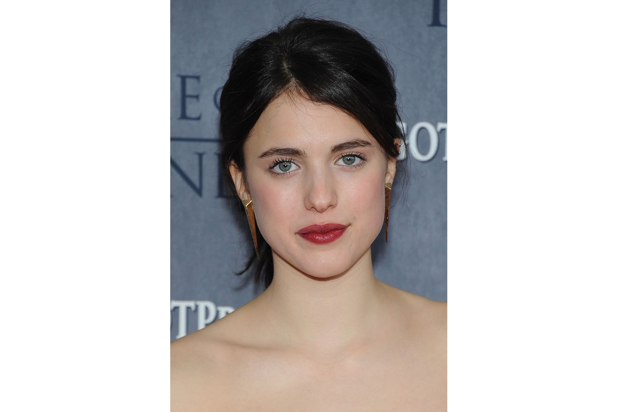 beauty margaret qualley beauty look 479437519 10