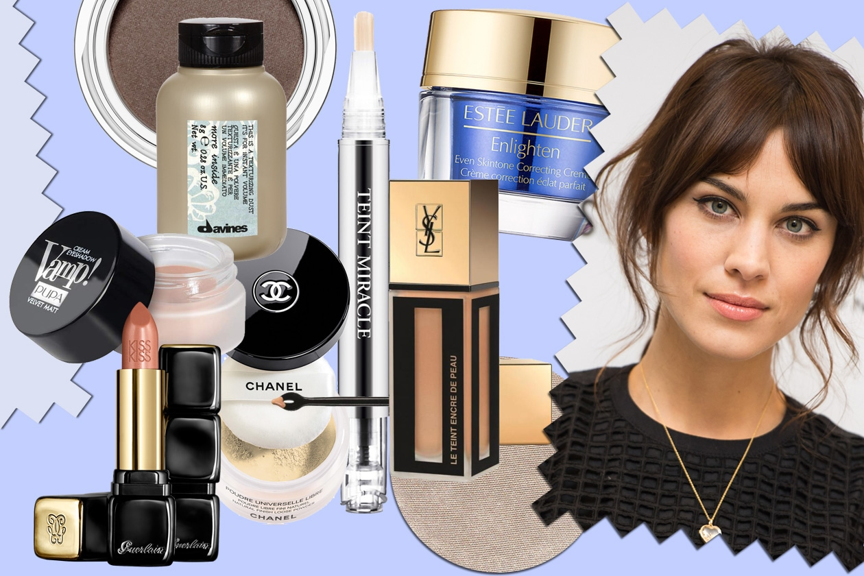 Alexa Chung: make up con eyeliner e labbra nude luminose