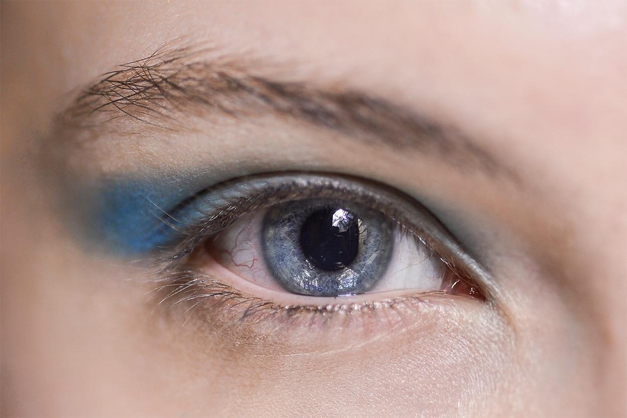 BEAUTY OCCHI DI GHIACCIO Make up occhi azzurro sfilata Jean Charles Castelbajac eem W F14 P 001