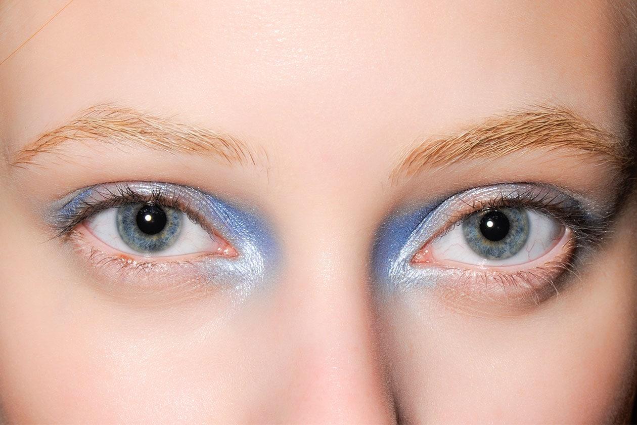 BEAUTY OCCHI DI GHIACCIO Make up occhi azzurro sfilata John Rocha eem W F14 L 001