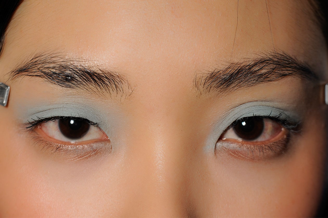 BEAUTY OCCHI DI GHIACCIO Make up occhi azzurro sfilata Michael Van Der Ham eem W F14 L 003