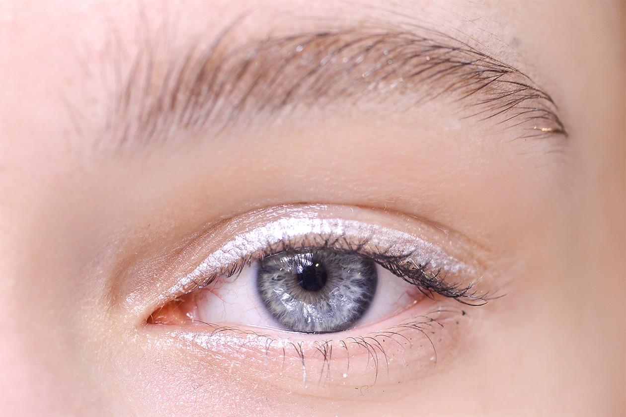 BEAUTY OCCHI DI GHIACCIO Make up occhi bianco sfilata Guy Laroche eem W F14 P 004