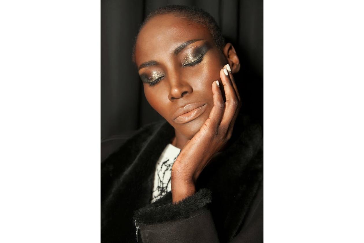 Beauty Gold Accents Nailart 1538 700 .Zoya nail polish nyfw aw14 runwaynails rolando Copia
