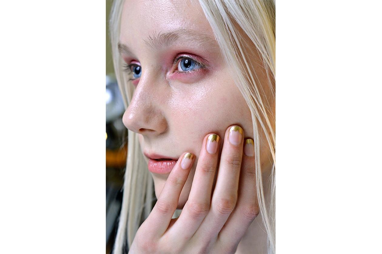Beauty Gold Accents Nailart Beauty Gallery Recap Nailart AI oro Suno nls W F14 N 002