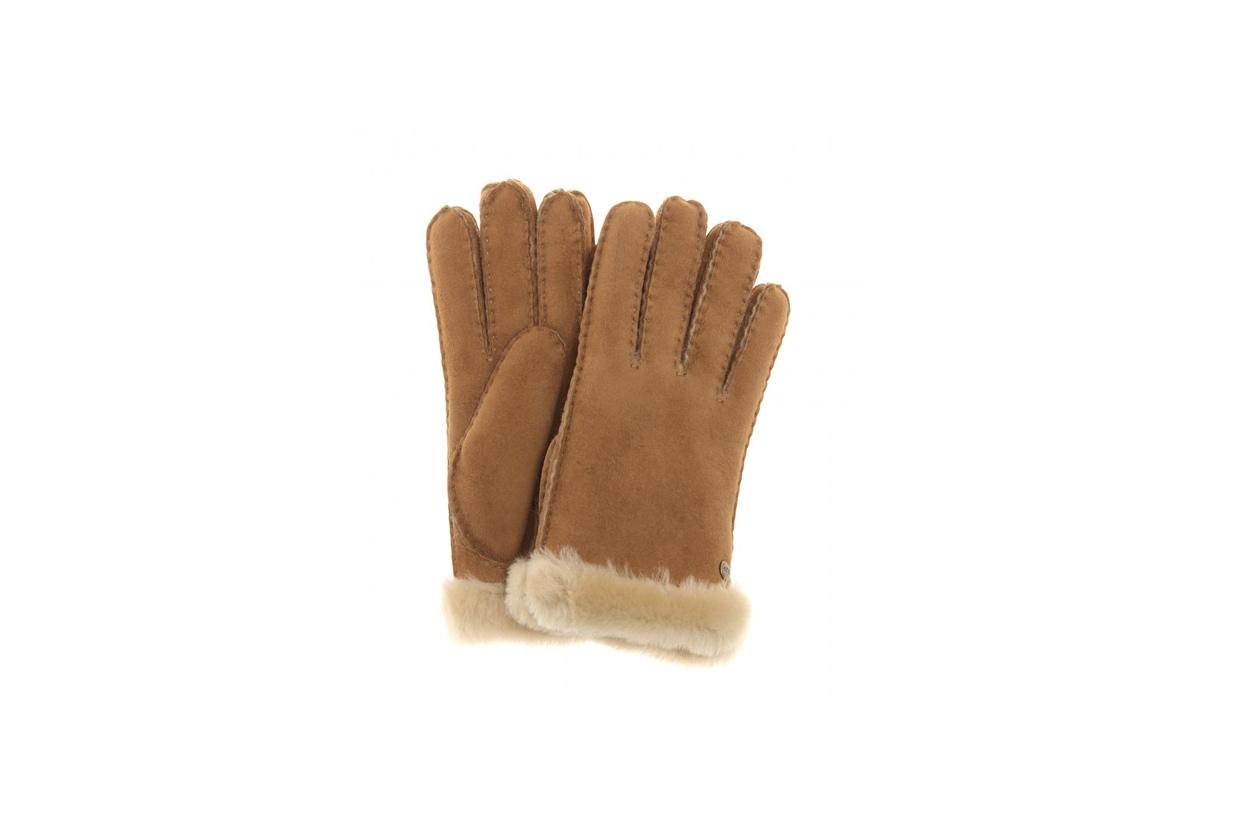 I guanti soffici di UGG