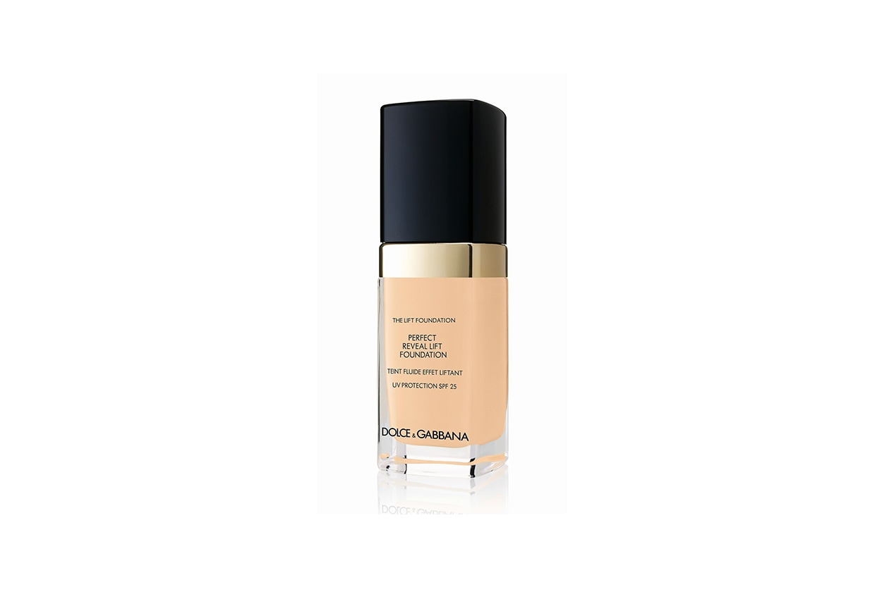Jessica Chastain beauty look: Dolce & Gabbana Perfect Reveal Lift Foundation