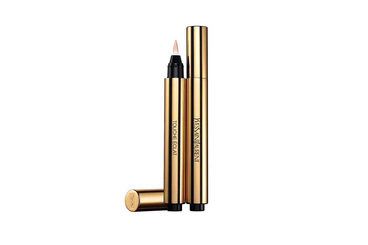 Jessica Chastain beauty look: Yves Saint Laurent Touche Eclat