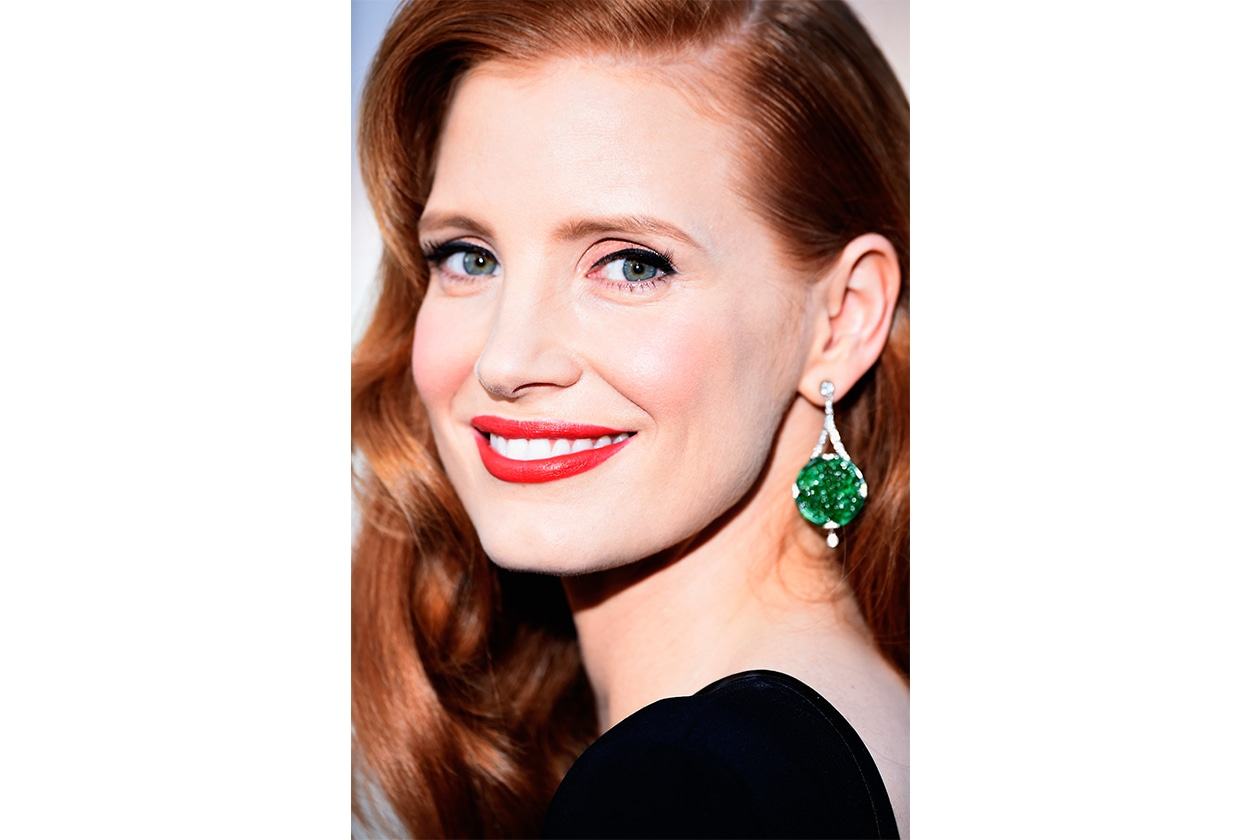 Jessica Chastain beauty look: classic red lips
