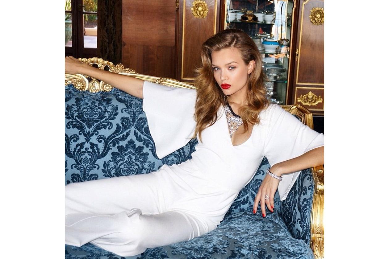 Josephine Skriver capelli: hair look glam