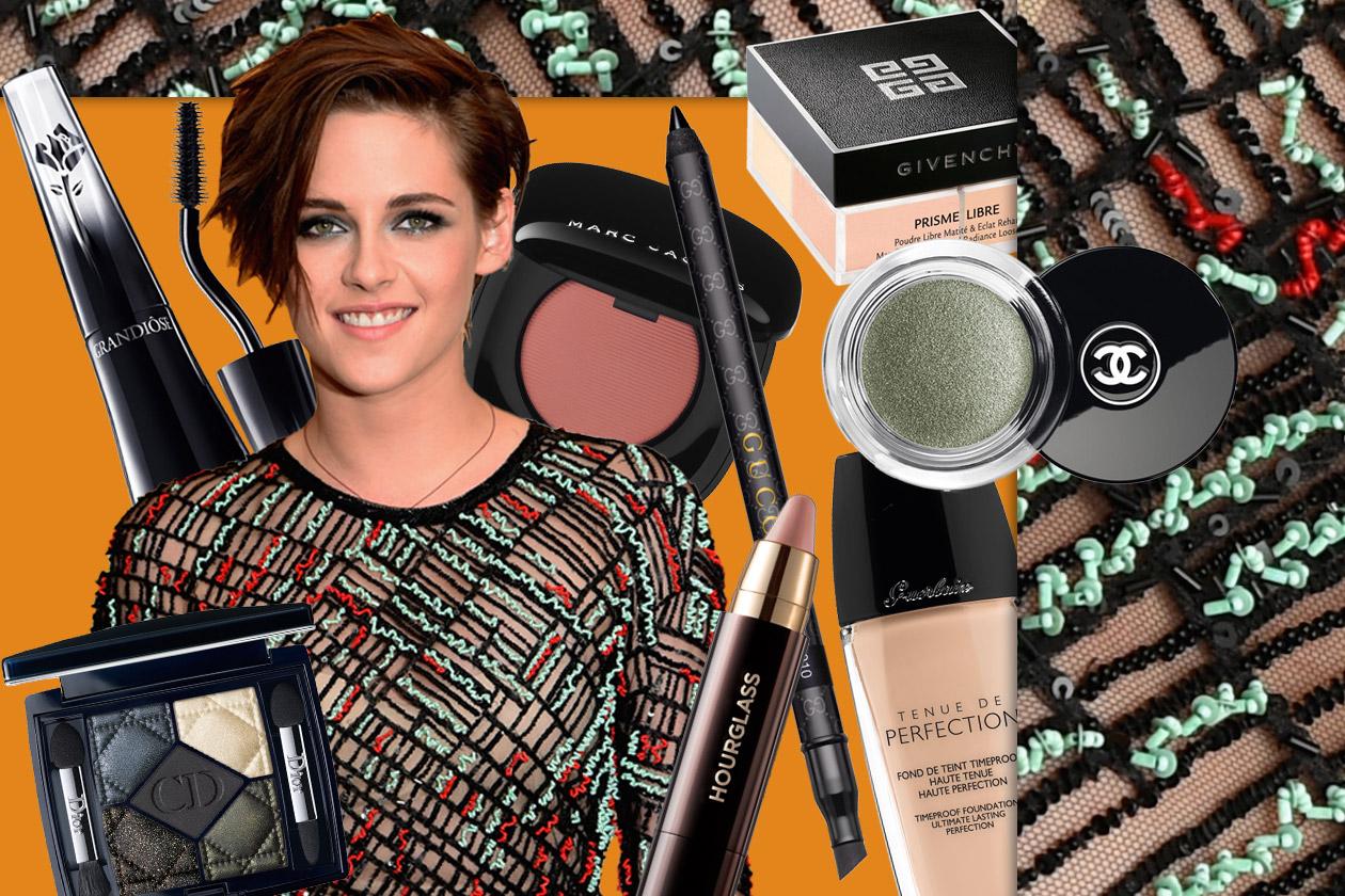 Kristen Stewart beauty look: smokey eyes verde e labbra nude