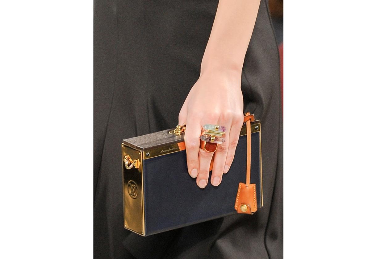 Louis Vuitton bag W F14 P 020