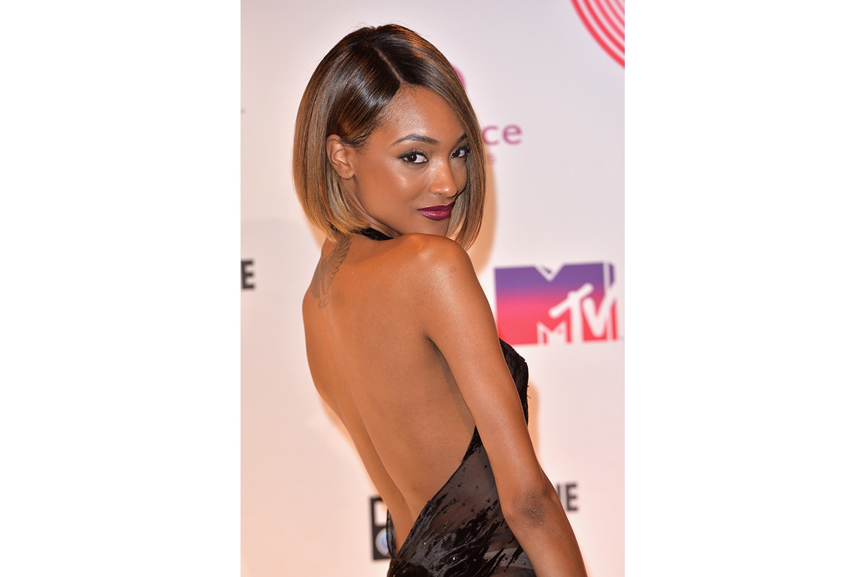 MTV EMA beauty look: Jourdan Dunn burgundy lips