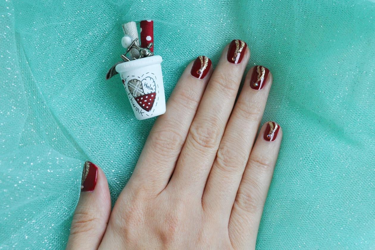 Nail Art delle Feste 2014-2015 – Gold Detail nails