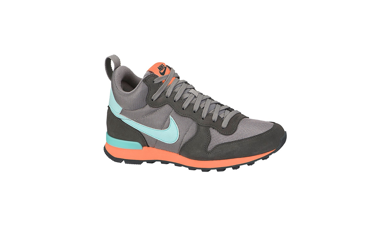 Nike Internationalist Mid Womens Shoe 683967 200 A