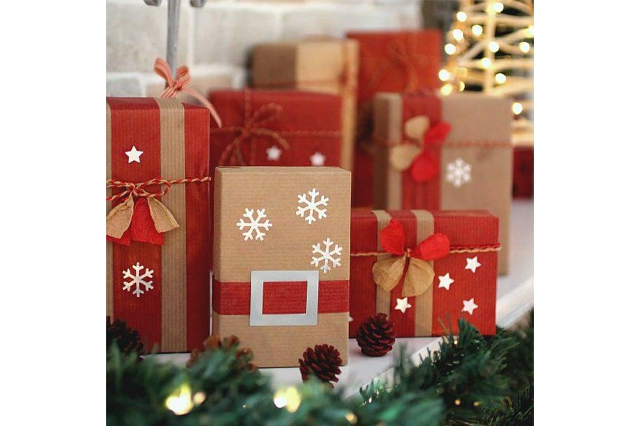 Pacchetti di natale tante idee originali per incartare i for Idee per regali
