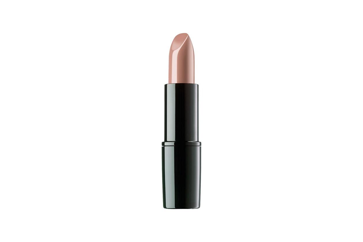 Stile tomboy: Perfect Color Lipstick in Generous Beige di ARTDeco