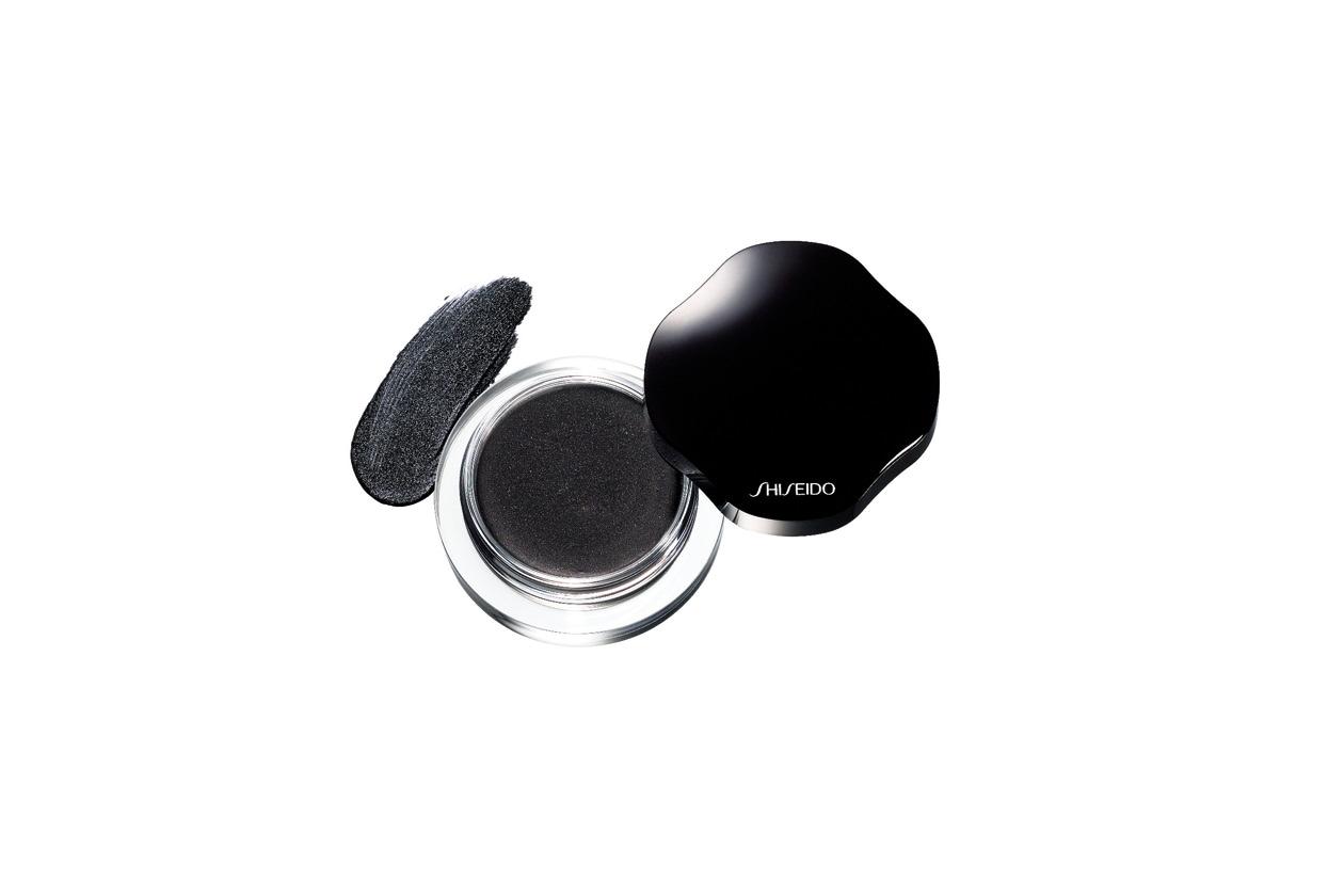 Trucco grigio e nero: Shiseido Shimmering Cream Eye Color Caviar