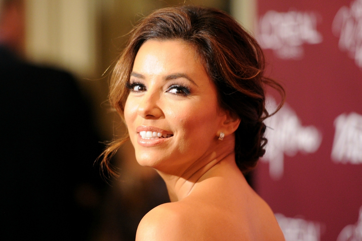 ROMANTIC UP-DO ON THE RED CARPET