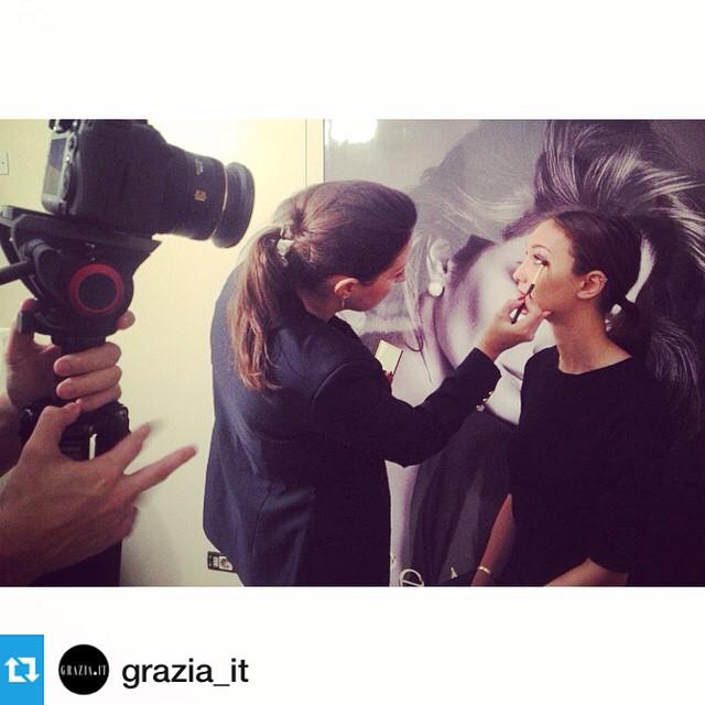 #behindthescenes con @grazia_it e @maria_grazia_it …. Presto vi sveleremo il progetto con @esteelauder su grazia.it— Soon on @grazia_it Estée Lauder Re-Nutriv and fast chic Make up #grazia4renutriv #esteelauder