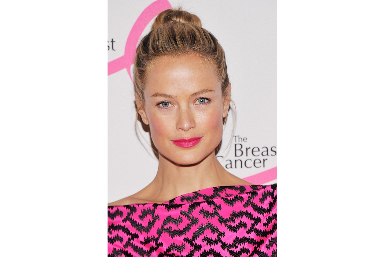Carolyn Murphy capelli: top knot