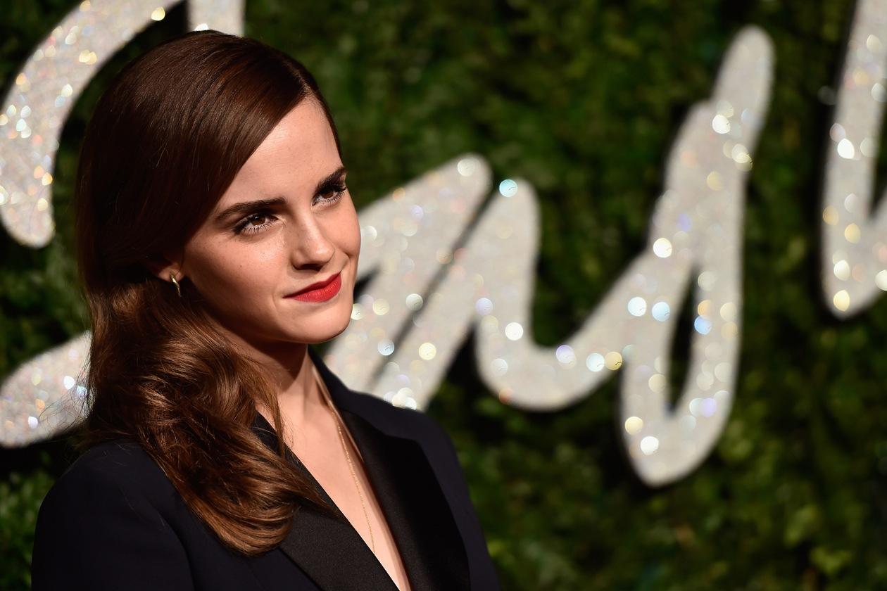 Emma Watson: raccolti su un lato