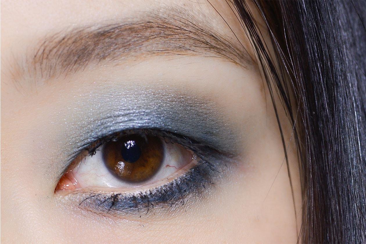 Gli smokey eyes blu da sfilata (Elie Saab AI 14-15)