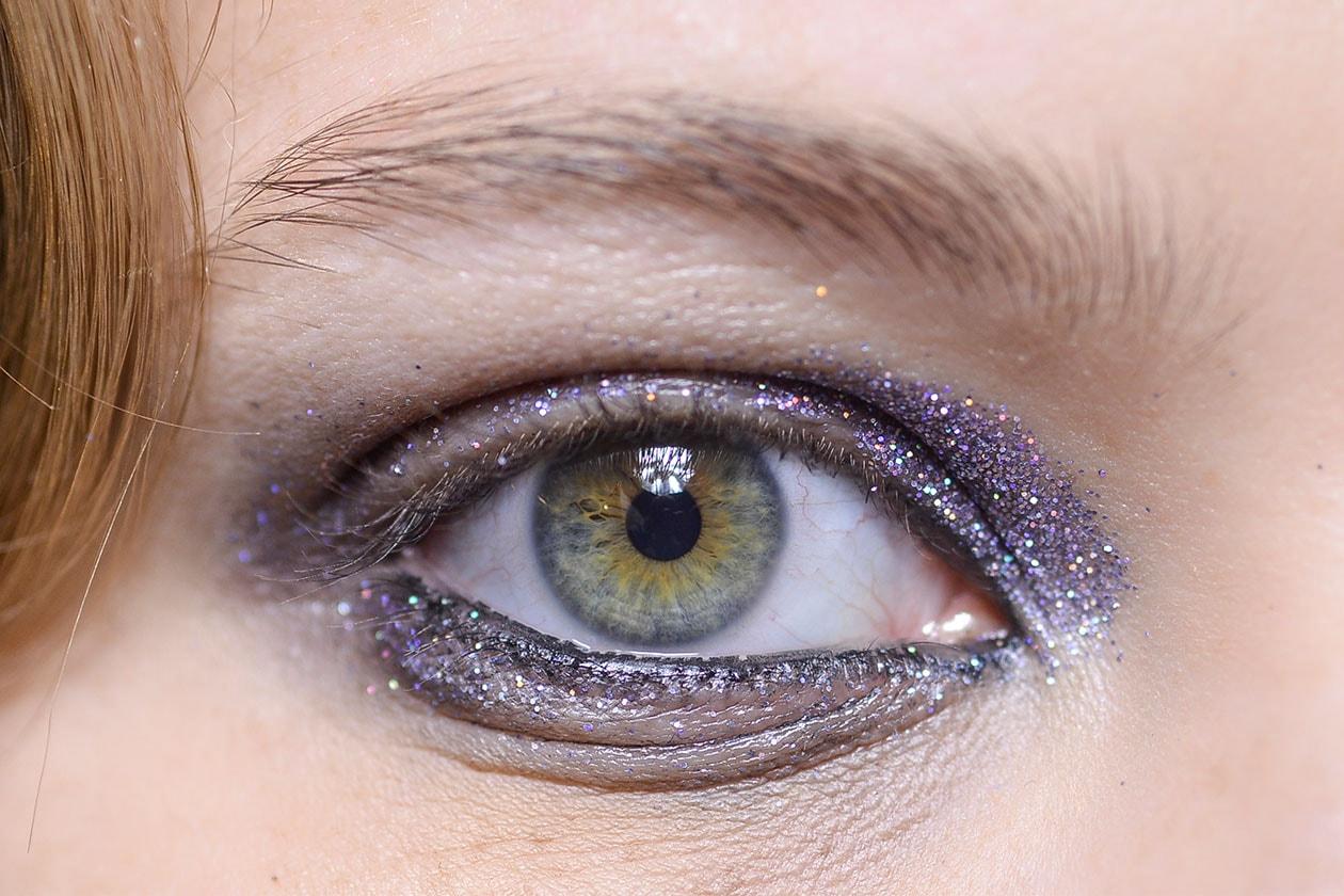 Gli smokey eyes viola da sfilata (Olympia Le Tan AI 14-15)