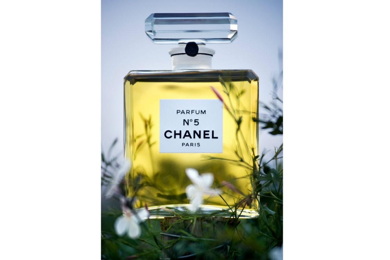 La celebra bottiglia di Chanel N°5