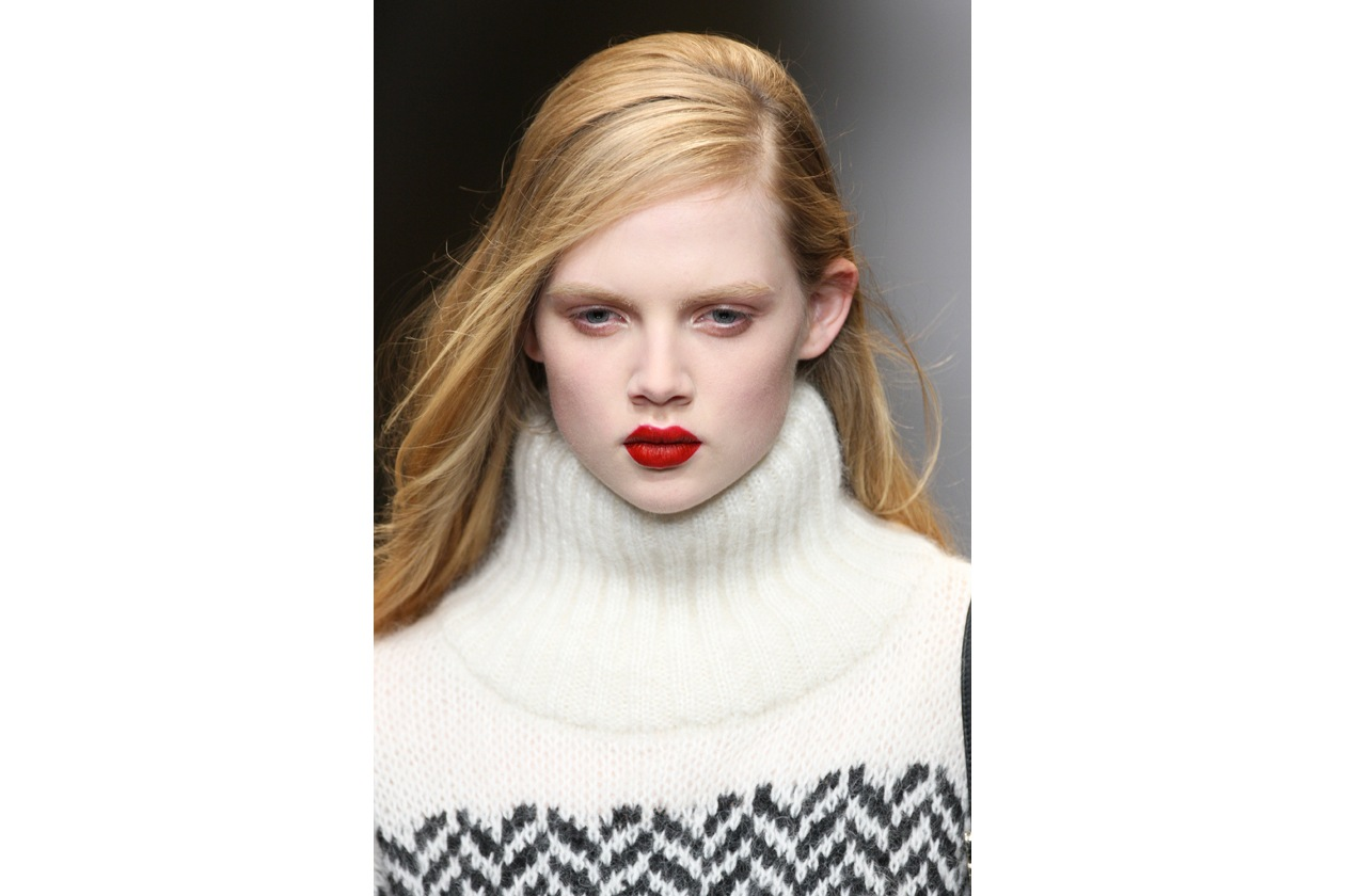 Rossetto rosso: beauty look regina delle nevi