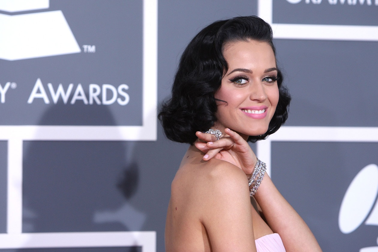 LIKE A VINTAGE DIVA: L'HAIRSTYLE SUPER GLAM DI KATY PERRY