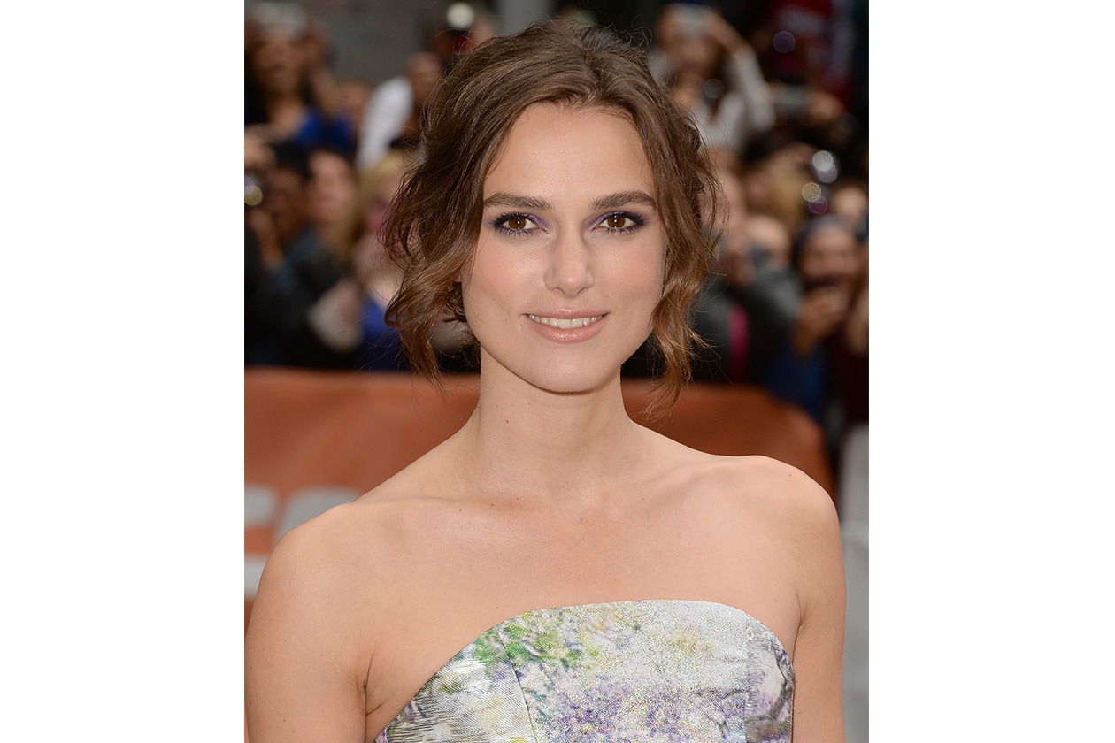 Keira Knightley: violet mood in piena tendenza