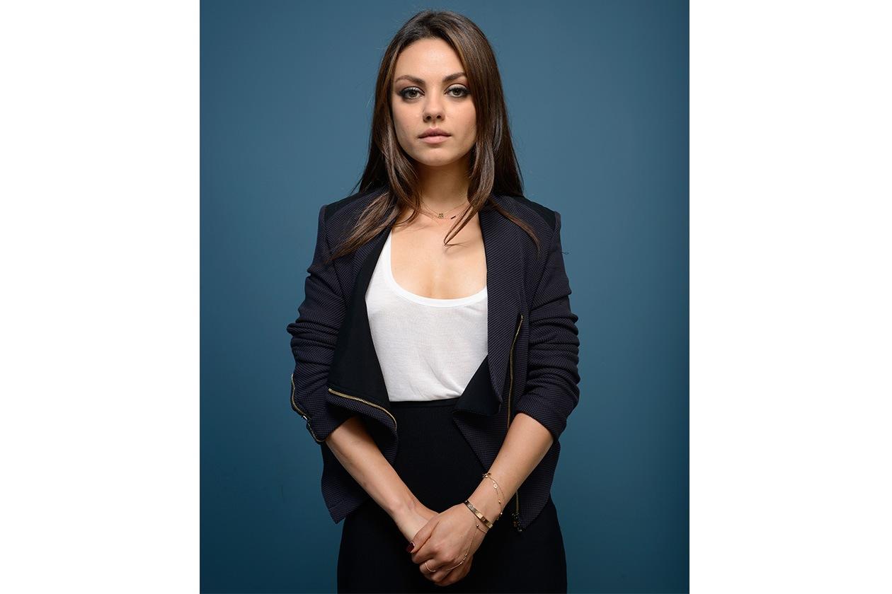 Mila Kunis: polveri leggeri per un make up versatile