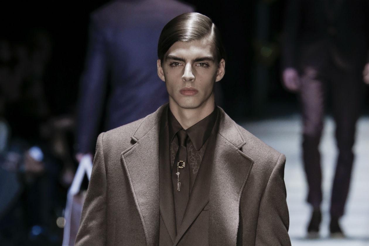 ANNI QUARANTA: dalla sfilata di Versace