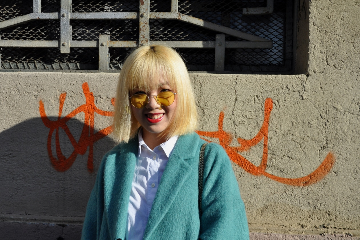 Beauty on the streets: blonde bangs!