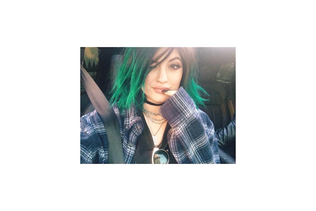 Capelli verdi delle star: il bob spettinato di Kylie Jenner