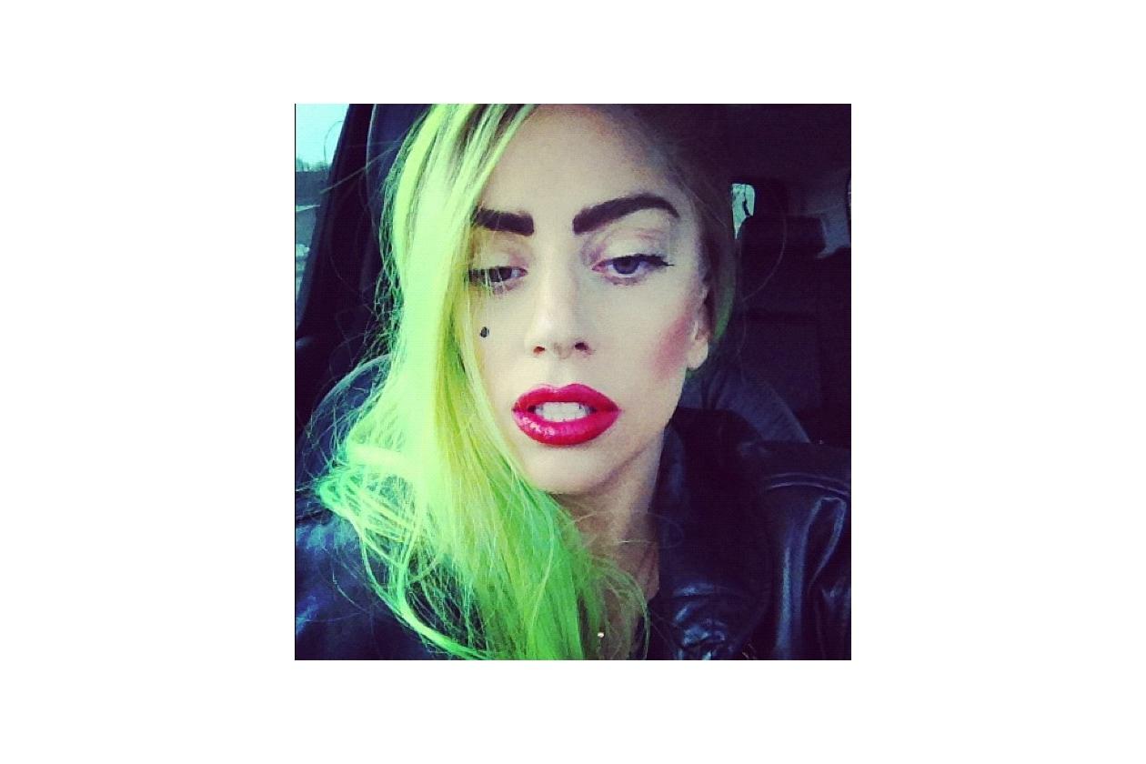 Capelli verdi delle star: verde fluo per Lady Gaga