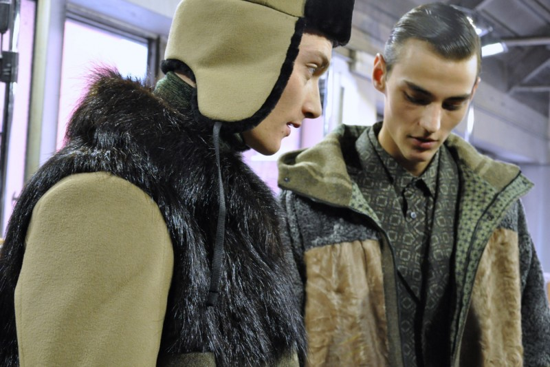 Cappelli e pelliccia contro gli inverni rigorosi e ventosi