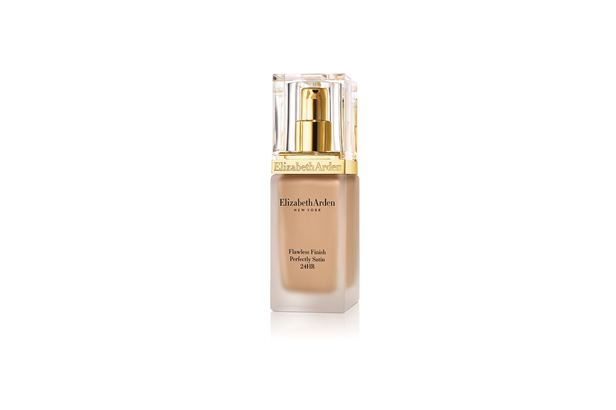 FLAWLESS FINISH PERFECTLY SATIN 24HR MAKEUP SPF15 (1)
