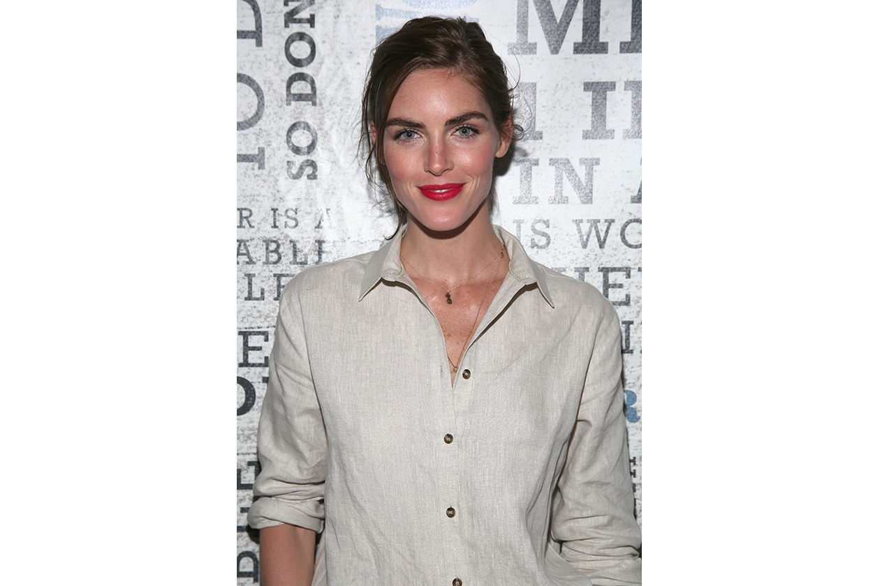 Hilary Rhoda beauty look: sopracciglia curate