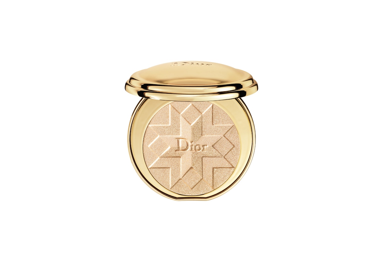 ILLUMINANTI VISO: Dior Diorific Illuminating Pressed Powder 001 Gold Shock