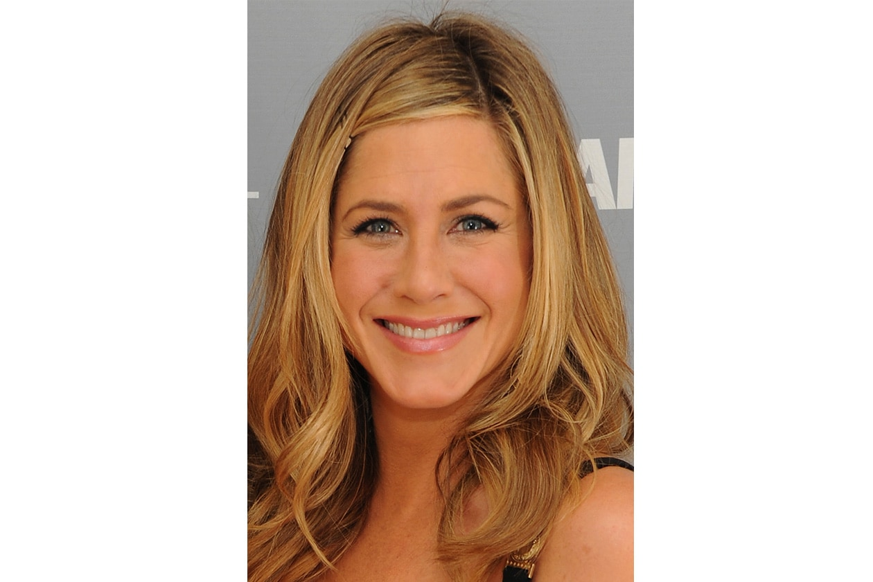 Jennifer Aniston capelli: novembre 2011