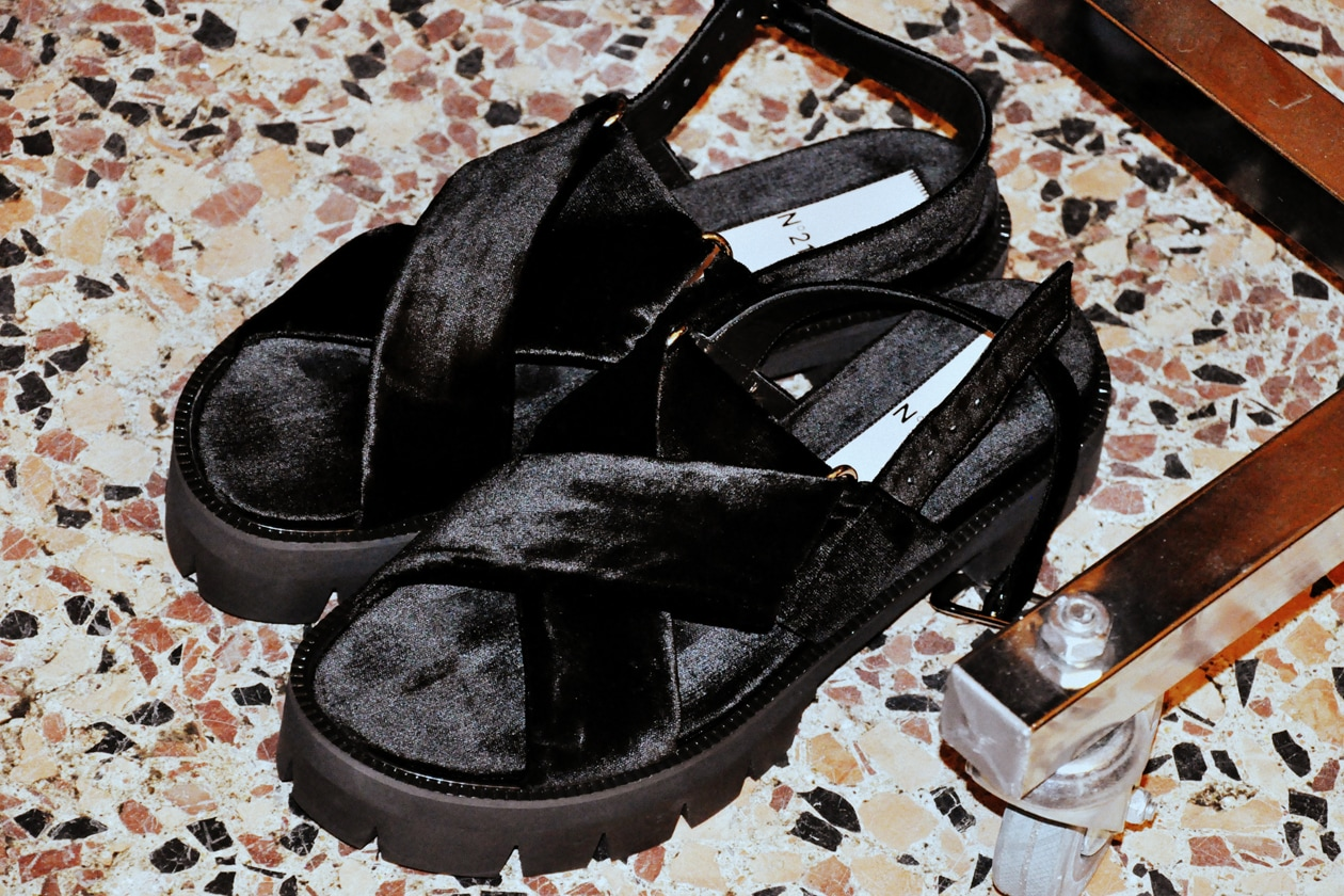 Le scarpe dei modelli